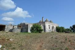 farmhouse with trulli complex for sale in puglia italy