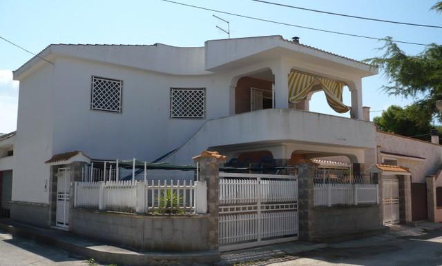 beach house marina di lizzano taranto for sale