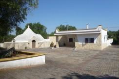 villa trullo with swimming pool for sale in puglia, francavilla fontana close to ceglie messapica