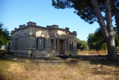 traditional villa for sale in puglia, typical villa with vaulted ceilings