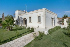 real estate for sale in puglia newly renovated, with swimming pool