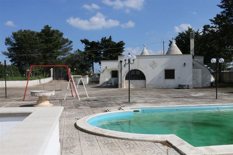 Trulli property for sale in Puglia Italy with pool, TRULLI TRACEY