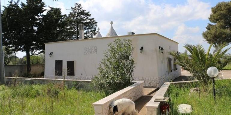 Trulli property for sale in Puglia Italy, swimming pool