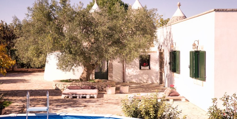 trulli property for sale in puglia southern italy, trullo susy
