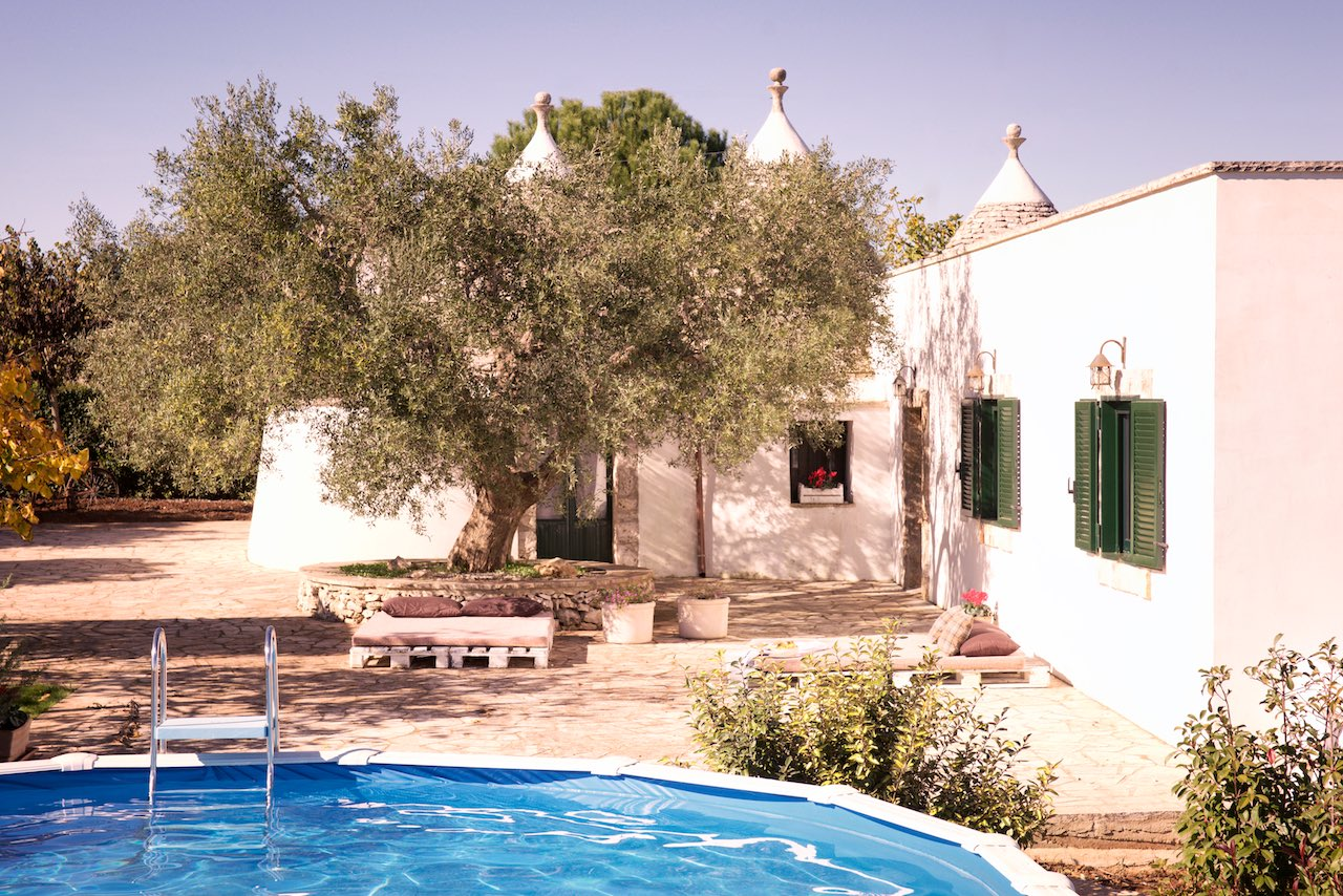 Trulli property for sale in Puglia with swimming pool