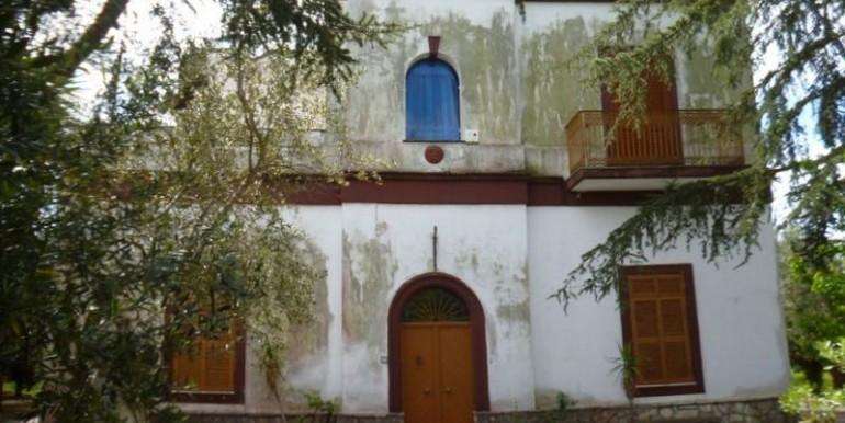 villa for sale in oria puglia italy, villa pia