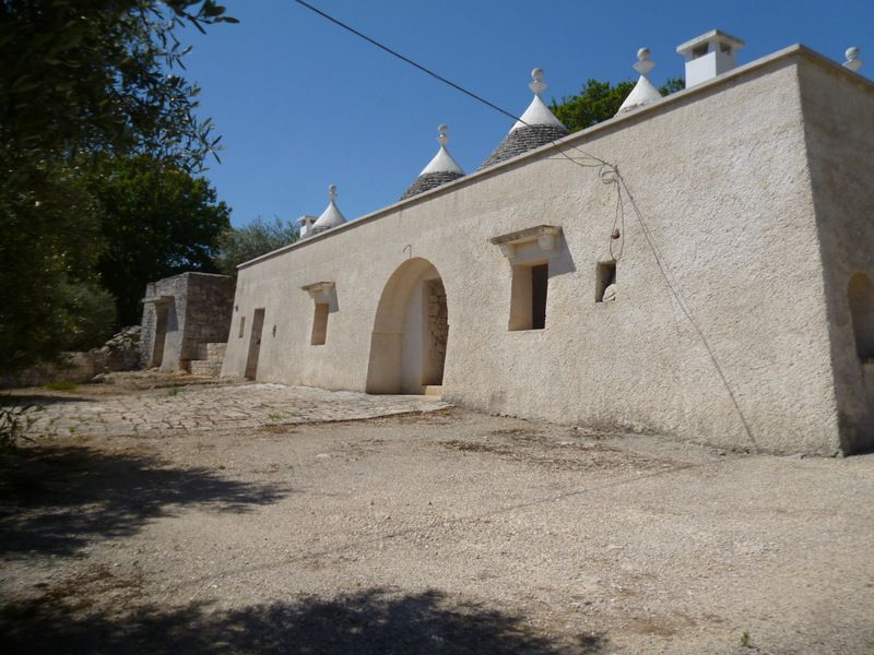 Trulli house for sale in Puglia, panoramic area, TRULLI DRAGANA