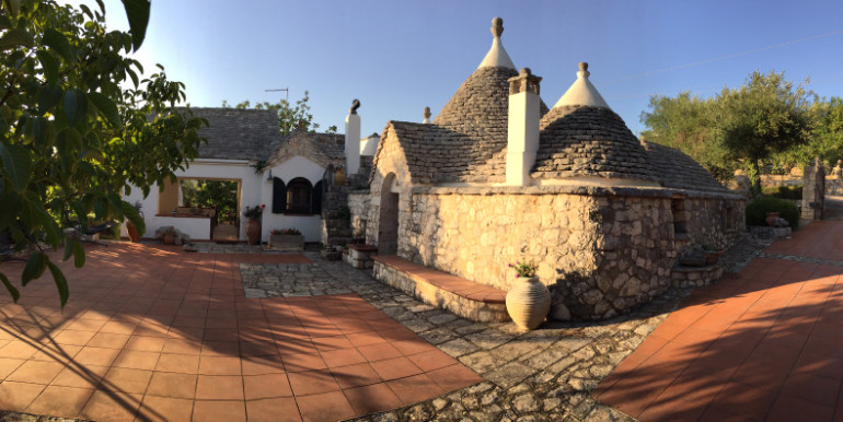 trulli property for sale puglia italy, with swimming pool