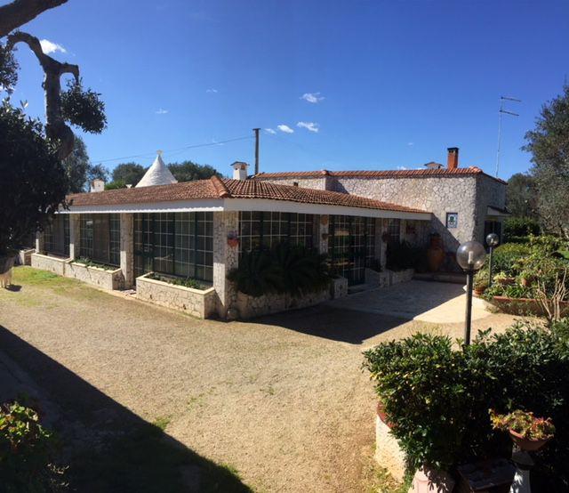 Villa for sale in Puglia Italy, with trullo ready to be moved into, VILLA LINA