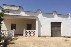 House for sale in Puglia Italy with garage