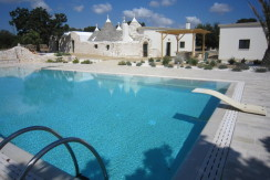 Trulli property for sale in Puglia Italy, Martina Franca, swimming pool