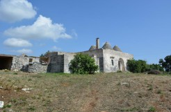farmhouse with trulli complex for sale in puglia italy