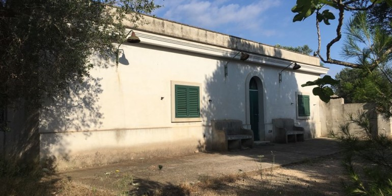 country house for sale in puglia italy, francavilla fontan
