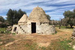 Trulli for sale in Puglia Italy, Villa Castelli