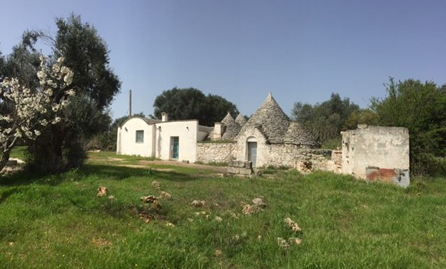 Trulli with lamia for sale in Puglia Italy, Ceglie Messapica