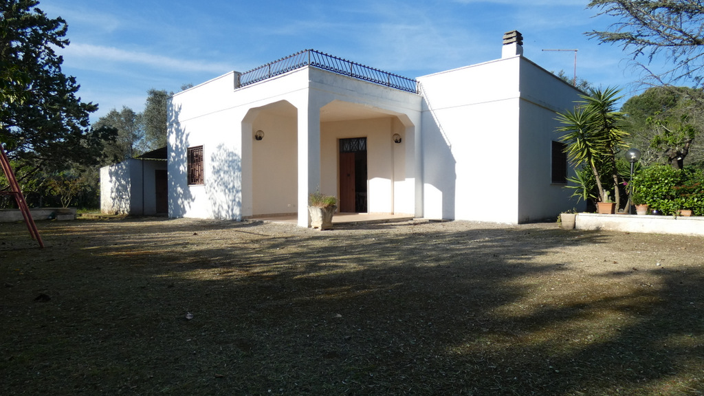 Property for sale with private garden, VILLA GIOVY