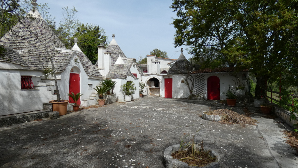 Trulli complex for sale in Puglia, TRULLI KASIA