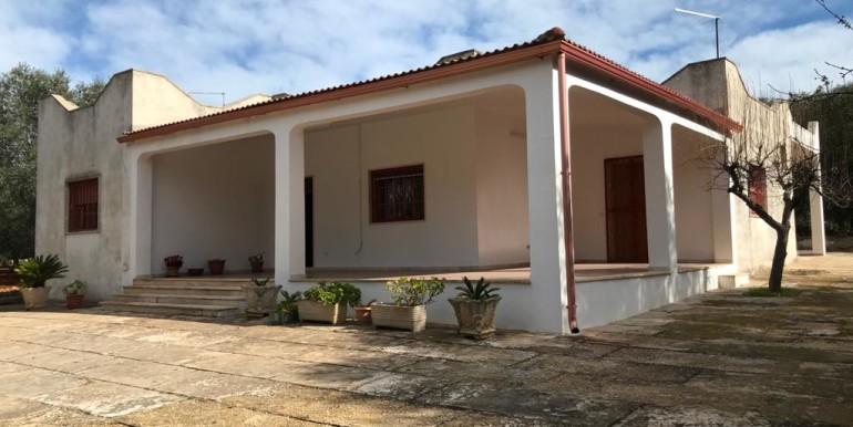 Spacious villa for sale in Puglia, Francavilla Fontana