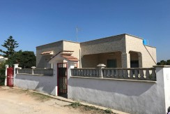 House for sale in Puglia, Marina di Lizzano, private garden