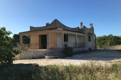 House for sale in Puglia, Italy, Ceglie Messapica, with garden