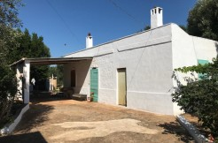 Country house for sale in Ceglie Messapica, vaulted ceilings