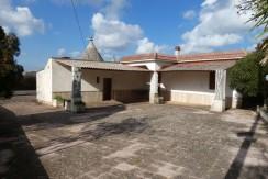 Trulli property for sale with plot of land Ceglie Messapica Puglia
