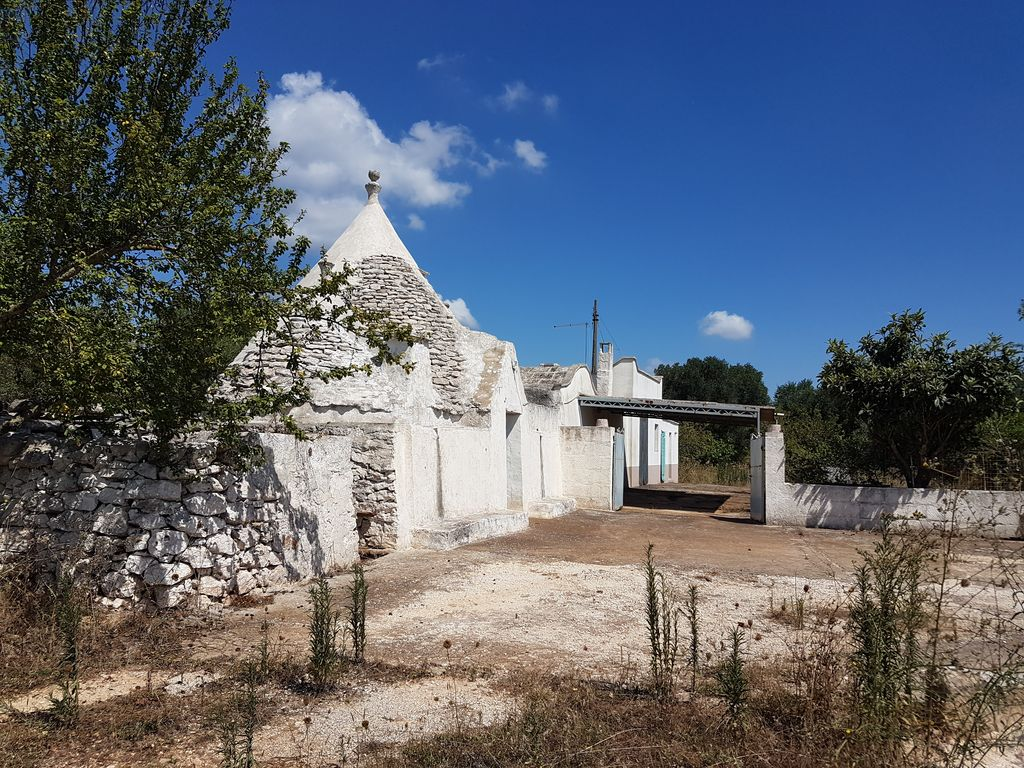 Trulli complex for sale in good conditions