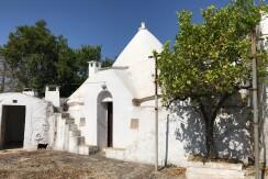 Trulli complex with lamia for sale in Puglia, Italy, good conditions