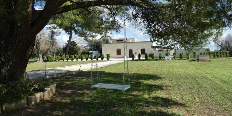 Traditional villa for sale Puglia, Italy, swimming pool