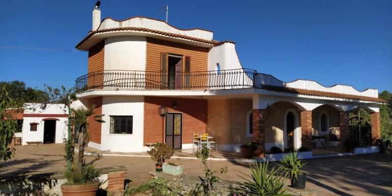 0372-villa-abitabile-in-parte-in-pietra-in-vendita-a-ceglie-messapica-bifamigliare-52-1240x720