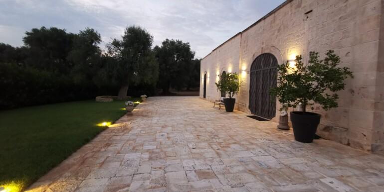 Luxury property for sale Puglia, Ceglie Messapica, swimming pool