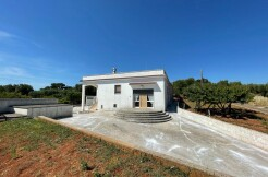 Country house for sale Ceglie Messapica, Puglia, with olive grove