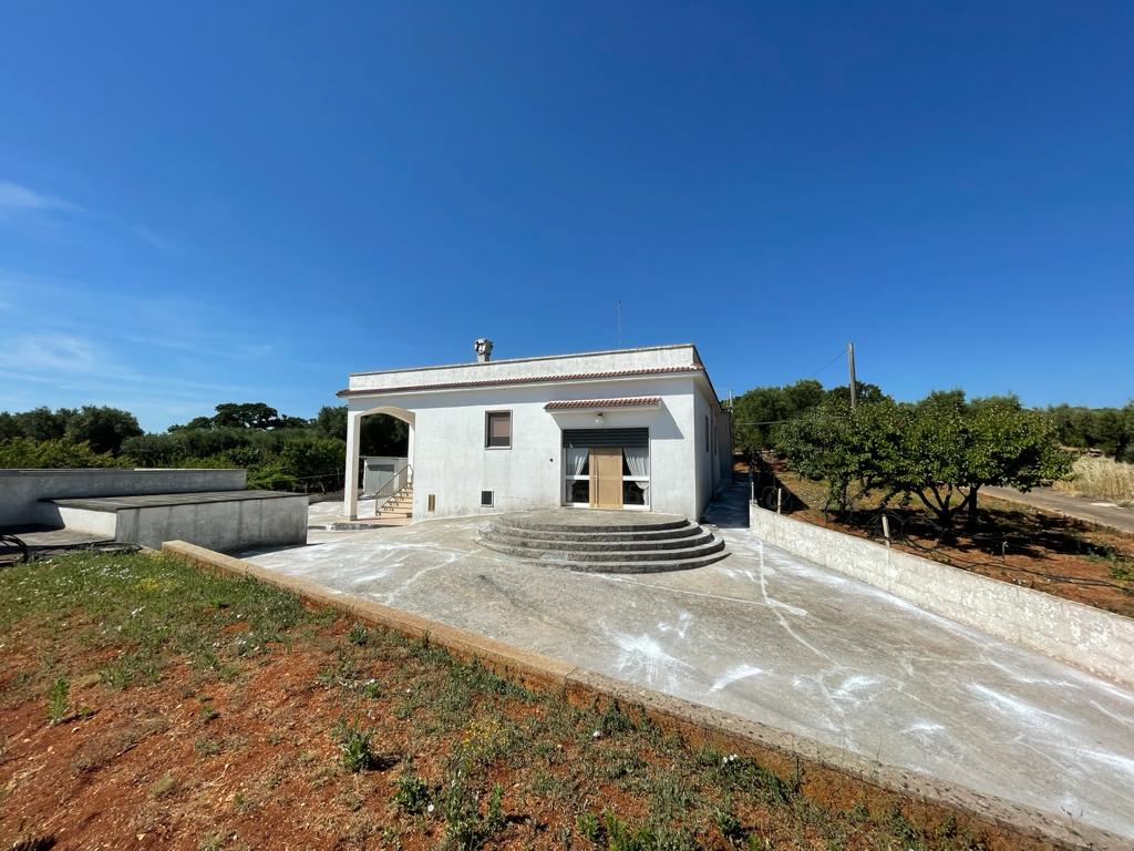 Country house for sale, with olive grove