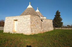 Panoramic trullo for sale in Ceglie Messapica, with plot of land