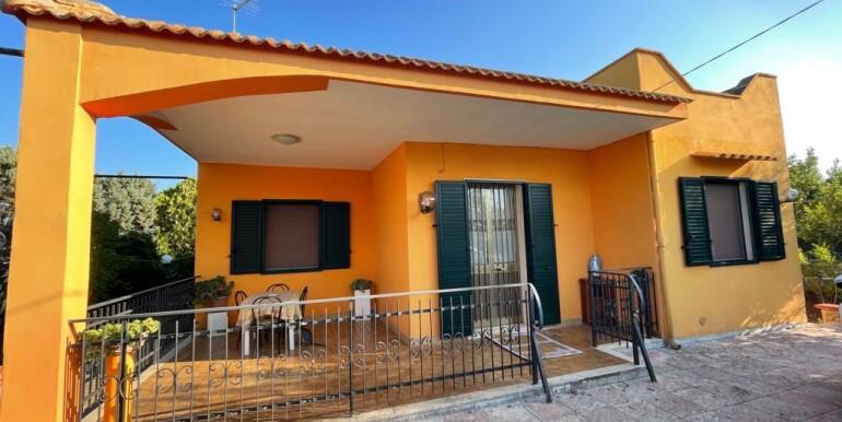 Villa for sale in Francavilla Fontana with appurtenant garden